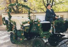 flower-decorated horse carriage